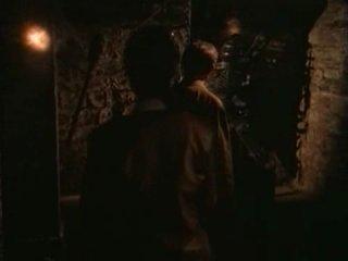 Охотники за древностями / Relic Hunter (1999) 1 сезон 3 серия (The Headless Nun / Монахиня без головы)