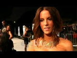 Kate Beckinsale talks about showering in a roomful of people