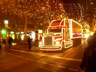 Праздник к нам приходит =) грузовики CoCa-Cola они существуют