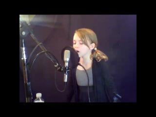 Noelle Maracle sing
