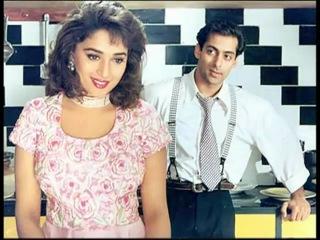 Madhuri Dixit: Bollywood Evergreen Actress!