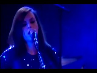Amy Macdonald - 15 - (Final) Don't Tell Me That It's Over (Live in Berlin 11-02-2010)