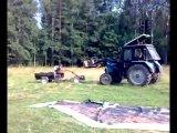 трактор гонится за мотоблоком