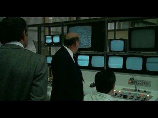 СИЯТЕЛЬНЫЕ ТРУПЫ  (1976) - триллер, детектив. Франческо Рози