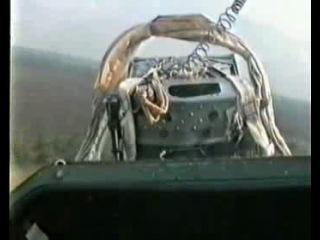 Учебно боевой Л 39 очень низкий полет!