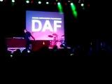 DAF - Verschwende Deine Jugend (live@E-tropolis Festival Berlin)