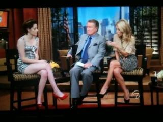 •Kristen on Regis &Kelly 10.19.2010•