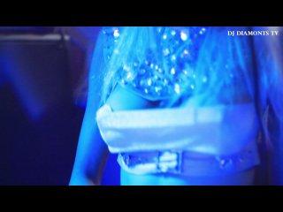 Topless DJ Duo Diamonds :: House Couture