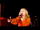 Madonna - Isaac (Sofia Boutella)