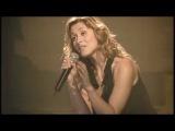 Это её первый концерт после смерти любимого человека. Она вышла на сцену, но не смогла запеть. Тогда запел зал...