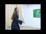 Донская Казачка исполняет красивый национальный танец Донских Казаков