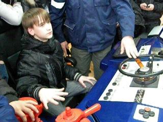 Владислав Ситников за тренажёром машиниста тепловоза ТЭП-70БС
