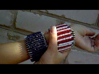 Как браслеты одеваются на руку)
