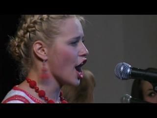 Русская народная песня - Вот кто-то с горочки спустился