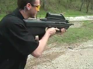 Стрельба из FN F2000-самой современной штурмовой винтовки