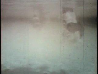 Борьба с 5-метровой анакондой под водой