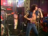 AC/DC - Highway To Hell (1979 год). В 1980 году вокалист Бон Скотт умирает...