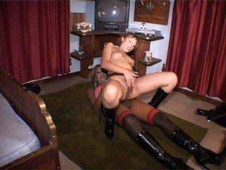 Kelly Le Brock Nude Photos