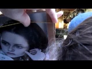 Kristen signing autographs outside Regis & Kelly (19.10.10) Part 1