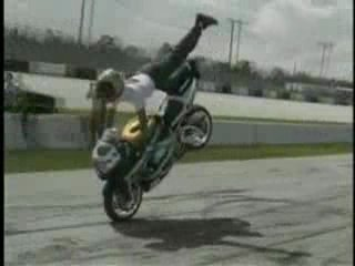 трюки на мотоцикле просто клёво я наних ездию! A-Caribski\\