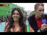 Премия МУЗ-ТВ 2010 - Полина и Ирина на ковровой дорожке
