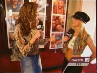 ✔ Britney Spears on MTV Video music awards 2001, backstage show (TV programms)