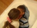 девушки - учитесь целоваться
