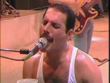Queen  Freddy Mercury - We Will Rock You / We Are The Champion (Live)