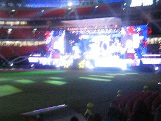 Грандиозное шоу на стадионе ДОНБАСС АРЕНА  Хиты 90-х  27 августа  2010 г.  Начало в 18:00  Продолжительность концерта 4 часа.