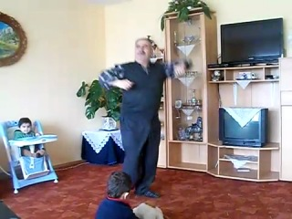 дед класна танцует