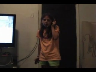 WTF??? 7 YEAR OLD GIRL TALKING TRASH ON CALL OF DUTY 4 PS3 ONLINE