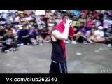 8-ми летний пацан Vs опытный парень. Круто танцуют!