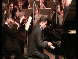Джордж Гершвин. Рапсодия в стиле блюз (Blue Rapsody) для фортепиано с оркестром. Исполняет Алексей Фридман.