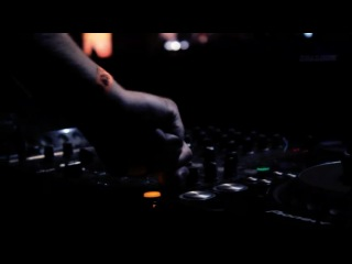 GLOBALCLUBBING SHOW with FERRY CORSTEN 6.11.2010 (Official aftermovie)