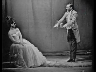 Татьяна Шмыга(Адель) и Владимир Шишкин(господин Фальк) исполняют дуэт из оперетты