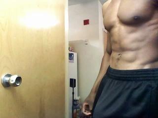 Свингерские парень меряет себе член видео лесбиянок