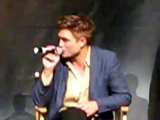 Rob says The Runaways is his favourite movie. Kristen gives him the finger.