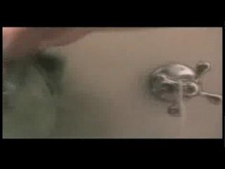 Как принимают душ женщины и мужчины - В