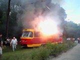 Возгорание трамвая, это полная жесть, такого еще не видел