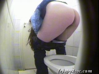 Скрита камера в туалете Вуза (2010) 1-часть