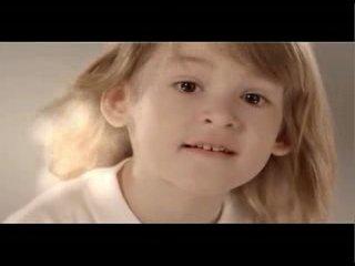 Ирина  Дубцова, Алсу, Жасмин, Татьяна Буланова, Лера Кудрявцева. Автор песни - И. Дубцова