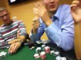 Не успел сесть как все проиграл) опасно в покер с друзьями)