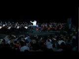 ДЖОН УИЛЬЯМС дирижирует оркестром (саундтрек из ГП И ФК -
