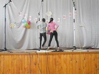 Девушки классно танцуют