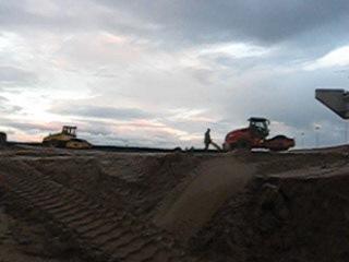 п Горбунки 05 10 10 Мост 4 Строительство равняют тракторами НОВОСТИ ГОРБУНКИ club22555111