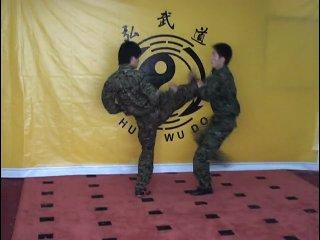 Школа китайского спецназа – Удары по уязвимым точкам (обучающий фильм) [sport-lessons.com]