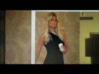 Реклама бразильского пива Devassa с Пэрис Хилтон