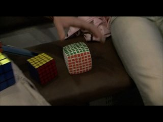 Сборка кубика Рубика на скорость