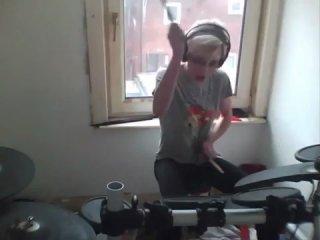 Eminem - Not Afraid (Drum Cover by Kayleigh Rogerson) авто гаишник животные приколы жириновский квн кошки лучшие прикол 2014 коты девушки путин ржач самые смешные украина Фейлы футбол fail россия 100500