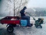 На мотоблоке по снегу)